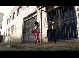 A chacun sa façon de danser / Yvan Couvidat, réal. | Couvidat, Yvan. Metteur en scène ou réalisateur