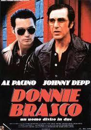 Donnie Brasco / Mike Newell, réal. | Newell, Mike (1942-....). Metteur en scène ou réalisateur